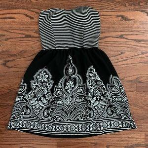 I'm in love with Derek strapless dress
